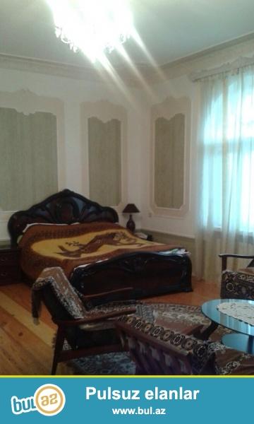Очень срочно , в очень элитном районе в поселка Бузовна  продается 2-х этажный  частный дом, расположенная на 12 сотках земельного участка ...