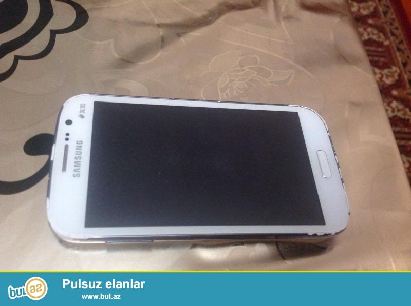 Samsung galaxy dual sim i9082 satilir.ekran deyisilib basqa hecbir problemi yoxdur...