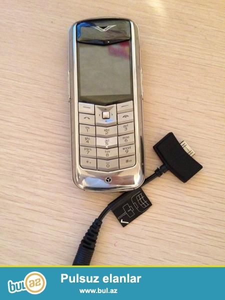 Telefon ela veziyyetdedir. Kojasi deyisilmiyib. Islemesinde hec bir problrmi yoxdu...