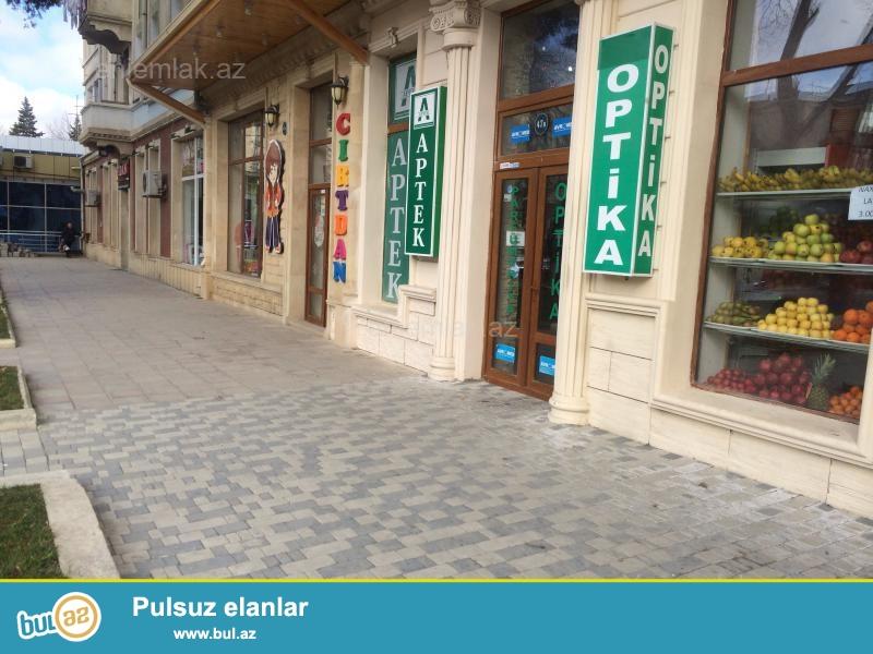 Tecili Bakixanovda Dvoresle uzbeuz obyekt satilir.arendadi hal hazirda 800 geliri var