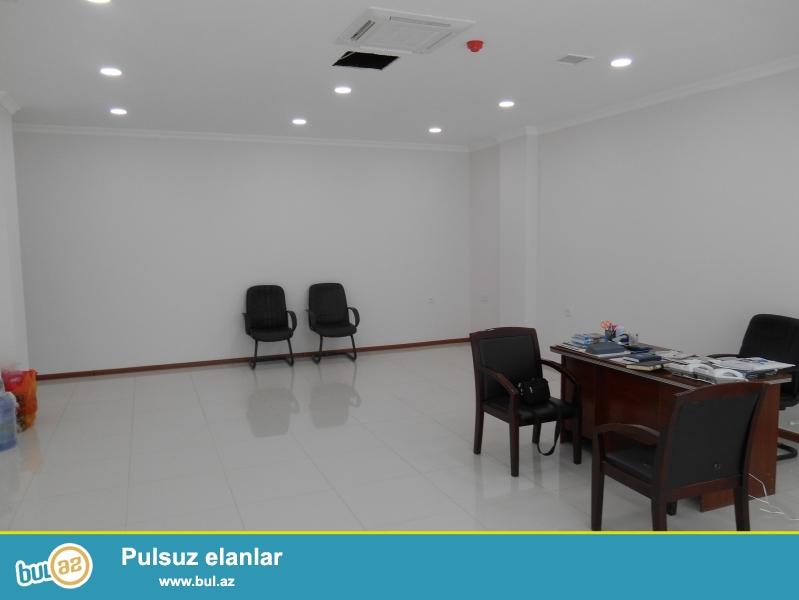 **РУФАТ*АЙНУР**  Сдается  2-х  комнатный  готовый офис  с  ремонтом  в  ПЛАЗЕ , по  ул...