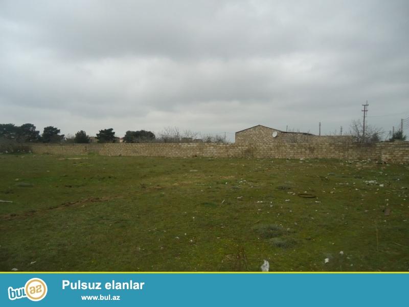 FƏRRUX Maştağa Zabrat yolunun sağ hissəsində dəmir yoluna yaxın  ərazidə zabora alınmış 80 sot torpaq sahəsi təcili satılır...