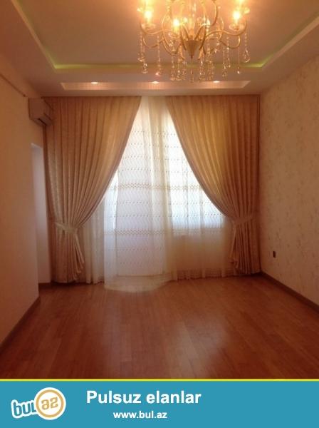 Срочно! Продается 2-х комнатная квартира, нового строения (1 переделанная в 2-х) , расположенная в 9-м микрорайоне рядом  с супермаркетом *Фаворит* в   *Кристал   МТК * ...