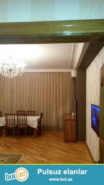 **РУФАТ*АЙНУР**  Сдается  2-х  комнатная  квартира  в  элитном  жилом  комплексе  *АЗИНКО*  у  выхода метро Нариманова, c отличным  ремонтом,  дорогая  обстановка, 91 кв...