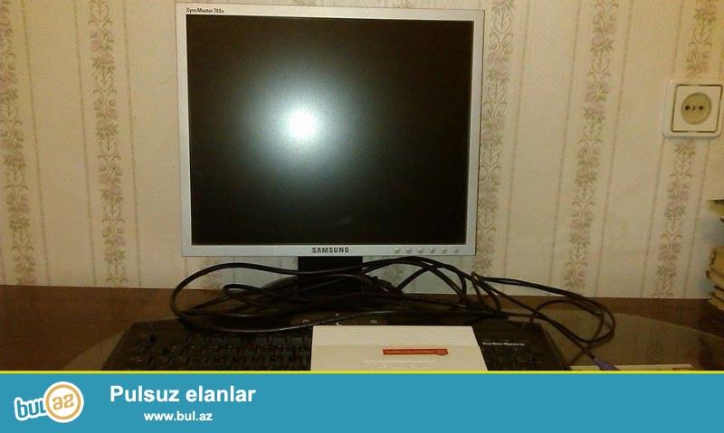 Samsung monitoru syncmaster 740N 3 ilin monitorudu hec bir problemi yoxdur...