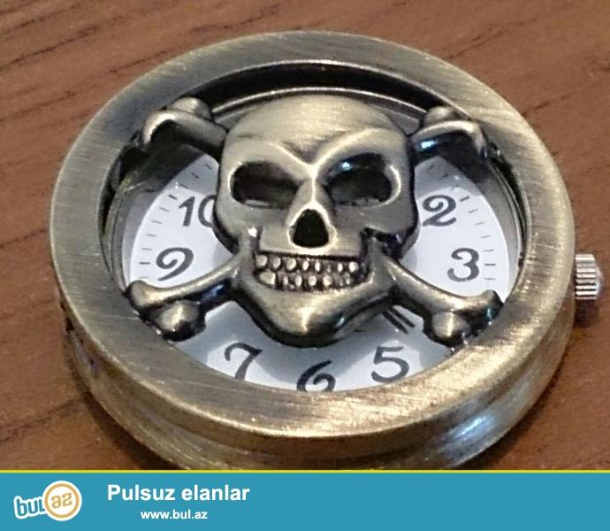 """Bürünc""""dəndir. Saatı dəqiq göstərir.<br /> Kulon kimi də istifadə etmək olar..."""