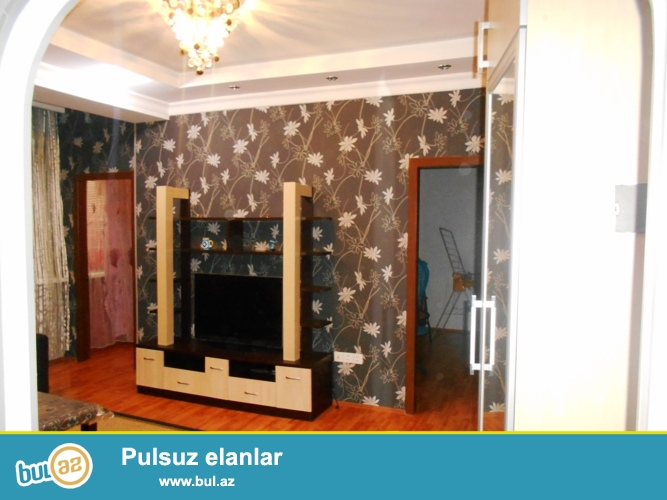 Сдается 1 комнатная квартира переделанная в 3-х комнатную в новостройке,в районе Е...