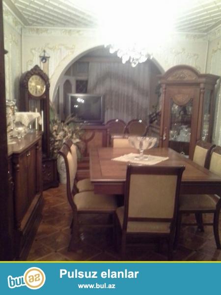 Срочно! Продается 4-х комнатная квартира, старого строения , расположенная в 8-м километре вблизи парка имени Гейдара Алиева ...