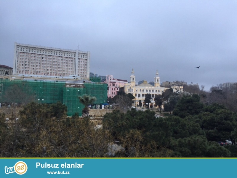 Сдается 1 комнатная квартира,в центре города, на Азнефти...