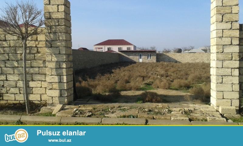 <br /> Sabunçu rayonun Pirşağı qəsəbəsinin 2-ci sovxozunun ərazisində 20 sot həyətyanı torpaq sahəsi satılır...