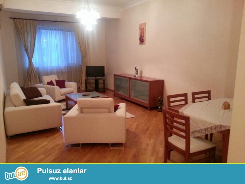 Сдается 2-х комнатная квартира в новостройке,около метро Элмляр Академиясы, рядом с БГУ...