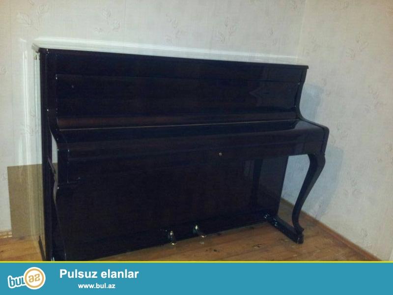 pianino ve ag royal satilir her ikisi əla vəziyyətdədir...