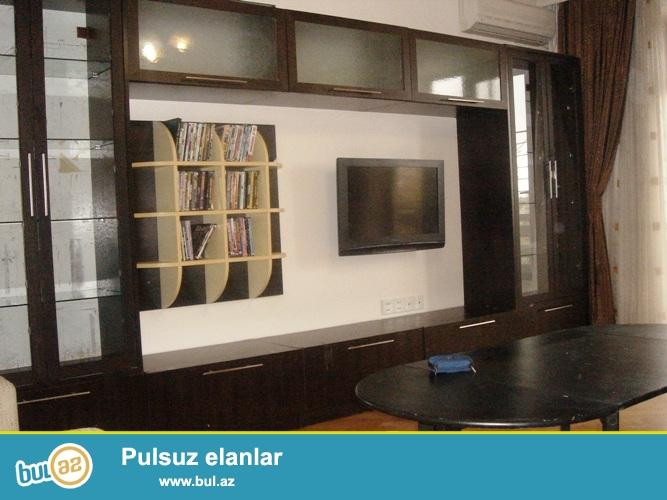Сдается 4-х комнатная квартира,в районе института Кооперации...