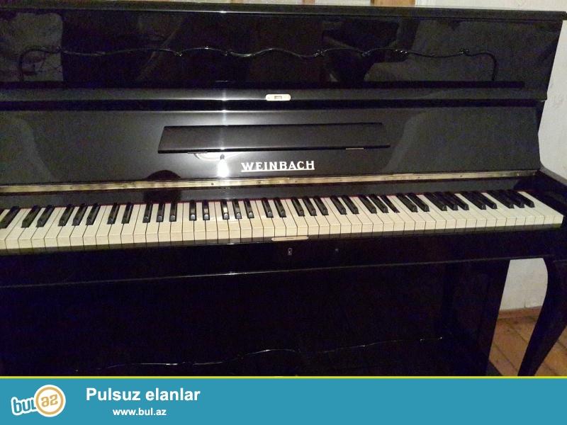 Weinbash pianinosu ela veziyetde,figurni ayagli.