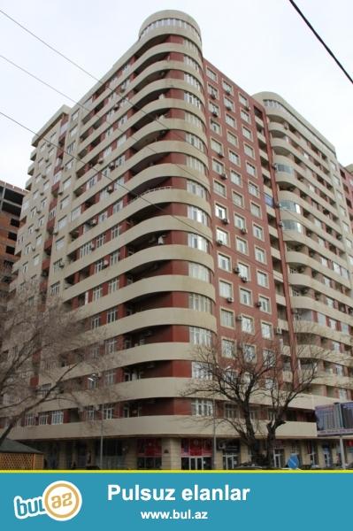 Сдается 1 комнатная квартира переделанная в 3-х комнатная квартира в новостройке,в центре города,по проспекту Азадлыг/улицы С...