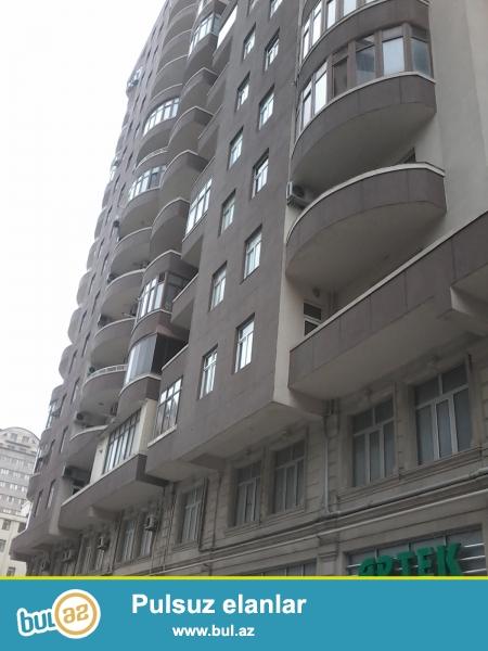 """Сдается 1 комнатная квартира переделанная в 2-х комнатную в новостройке,около около """"Олимпик Стар""""..."""