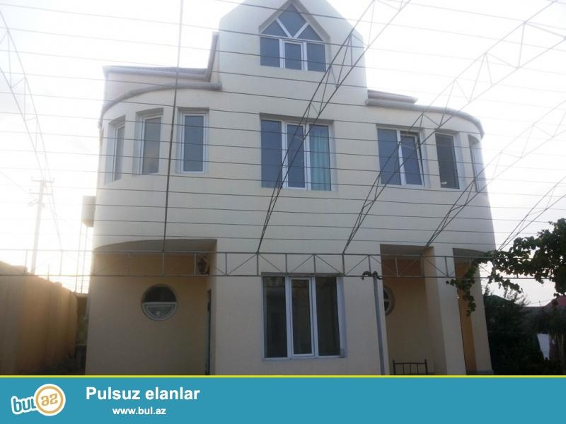 Очень срочно. В посёлке Шаган, cдаётся 2-х этажный, 6-и комнатный  особняк, площадью 250 квадрат, расположенный на 12-и сотки приватизированном земли...