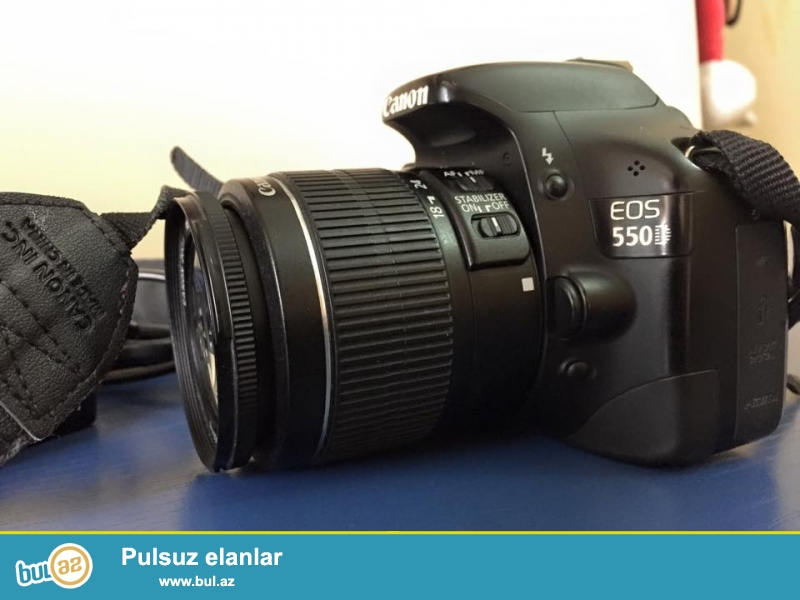 Canon 550D satiram.Normal veziyyetdedi.karobkasi,cantasi,adaptiri var...