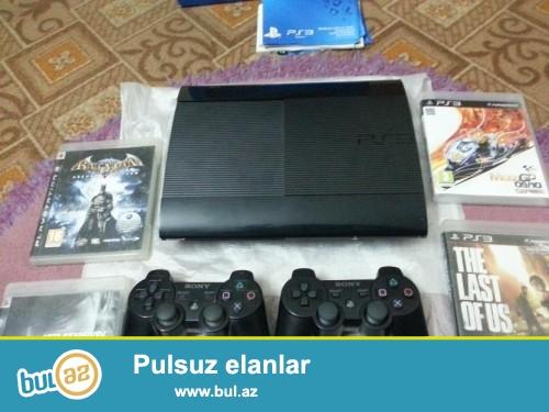 Playstation 3 500 gb + 2 costik. İdeal vəziyyətdə...