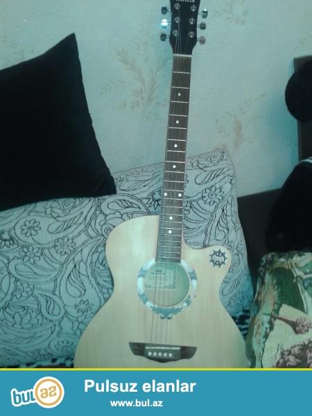 salam 1 ay iwlenmiw akustik gitar satilir gitar 2denedi onucun satiram 70m fikiri ciddi olanlar zeng eliye biler 0554354794 sadece olaraq 1ci simi uwag qirib onunda 1manatliq xerci var