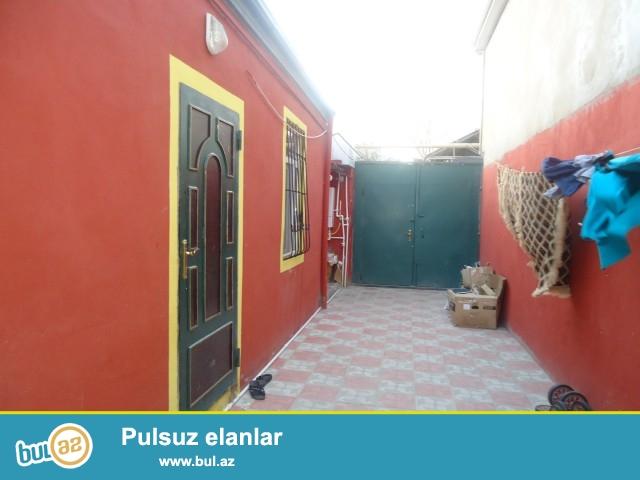 LEYLA Sabunçu rayonu, Zabrat 1 qəsəbəsi, yaxın marketin yaxınlığında 1,5 sot torpaq sahəsində 4 daş kürsülü ümumi sahəsi 62 kv...