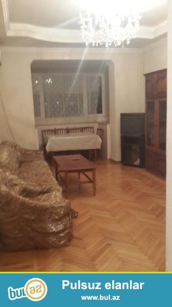 Сдается 2-х комнатная квартира ,в центре города, по проспекту Азадлыг, за Насиминсим Полицейским Управлением...