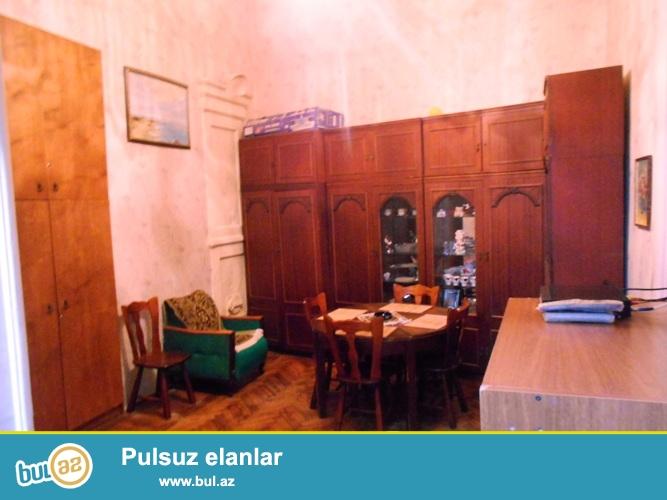 Сдается 2-х комнатная квартира в центре города,около Ахундовского садика...