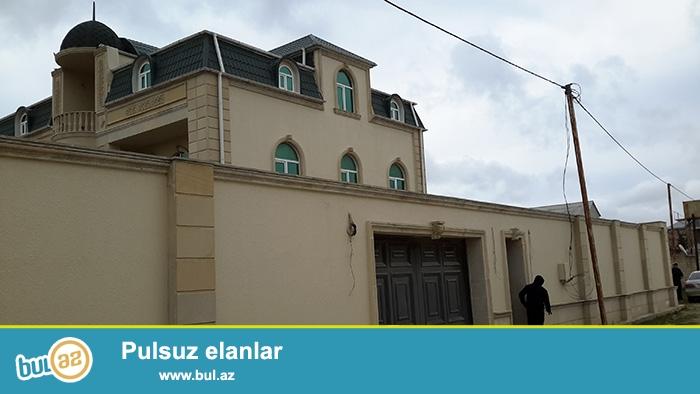 Satılır:  *4095*   10 otaqlı, 3 mərtəbəli mansardlı Villa...