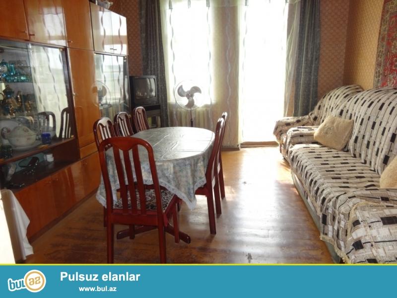 Срочно продается  1 комнатная квартира, переделанная  на 2 комн...