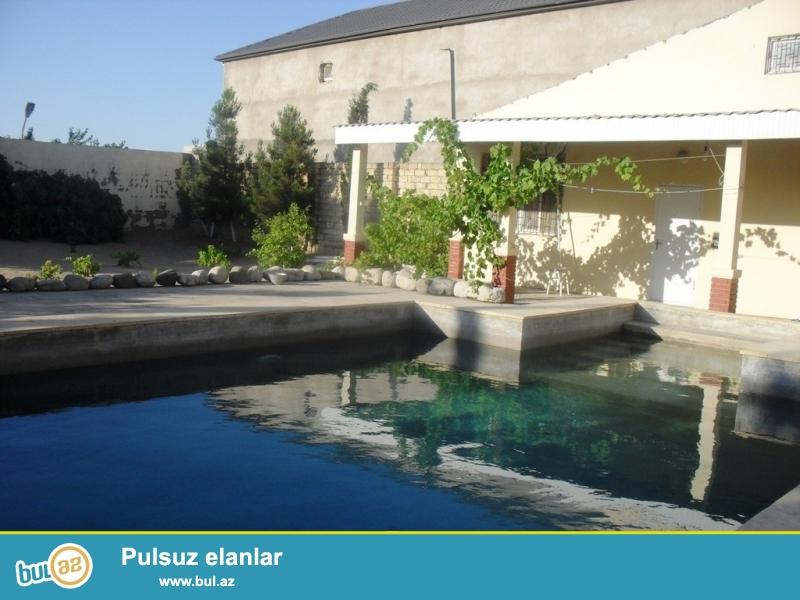 <br /> Срочно! Продается 2-х этажная дача в поселке Мардакан, по дороге к морю от ресторана Гоша Гала, площадью 350 квадрат, 5-и комнатная, расположенная на 16 сотки земли...