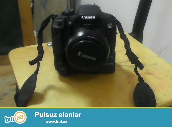 TECILI SATILIR: Canon Eos 700d kit 18-55mm.<br /> Ustunde Verilir: Grip+sumka+kart+blenda...