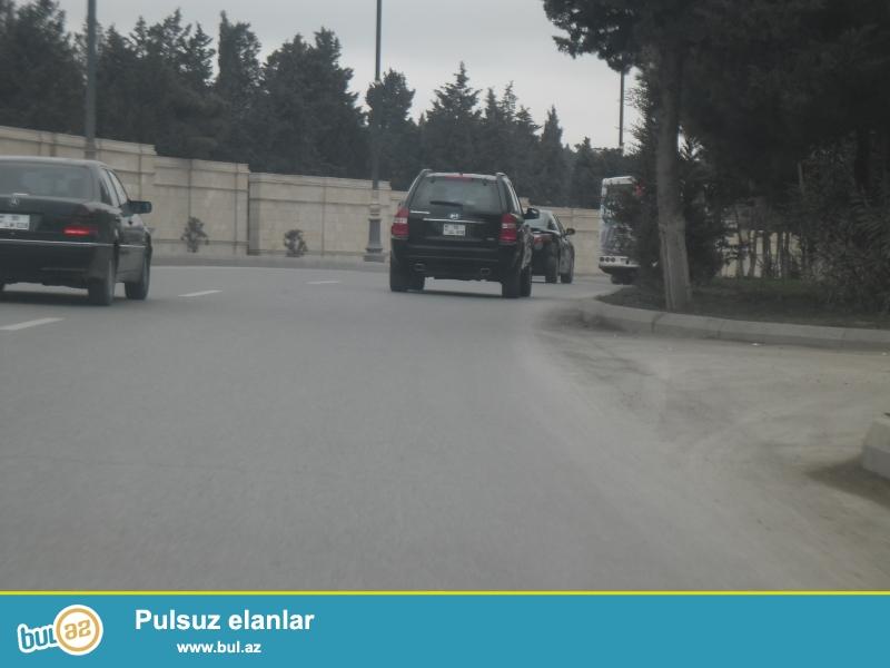 Bakı-Səlyan yolu,Binə Ticarət Mərkəzinin yanı-1 hektar özəl-kupçalı torpaqda 3mn kvmlik skladlar və s...