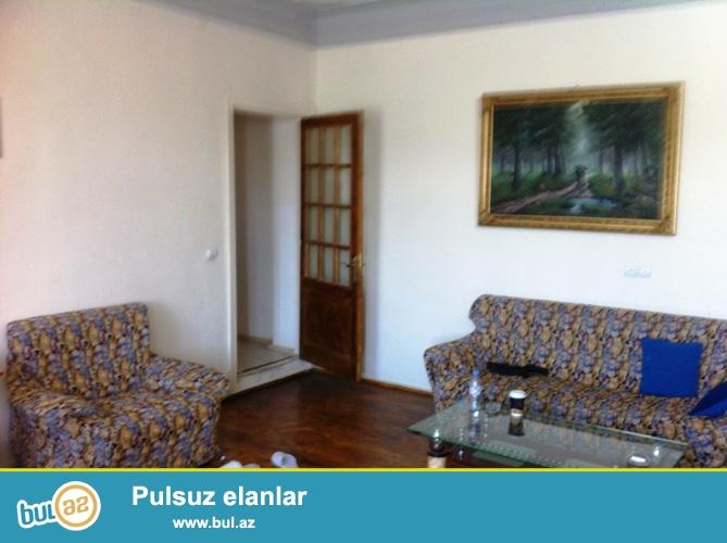 Продается 1 комнатная квартира переделанная в 2-х в центре города напротив Кукольного театра...