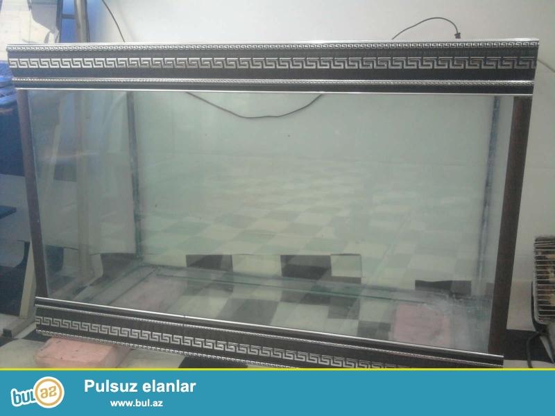 213litir akvarium satıram tezedir uzunluqu 89sm hündürlüyü 78sm eni 40sm enini isdediyiniz ölçüde mümkündür qiymet eyni olaraq qalır ...