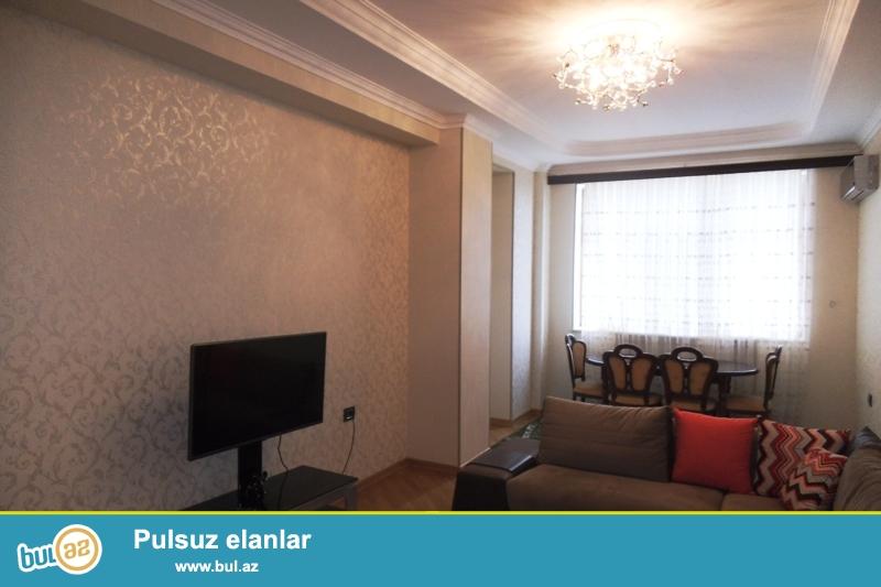 Сдается 3-х комнатная квартира в новостройке,в центре города, по улице Нахчивани (бывшая 6 параллельная)...