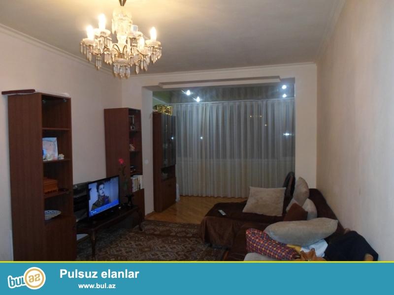 DƏYƏRİNDƏN AŞAĞI!!! Yasamal rayonu, Günəş petrol və Şahdağ restoranı yaxınlığında 5/5 ümumi sahəsi 50 kv...