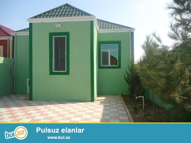 ÇİNGİZ Zabrat Maştağa yolunda,əsas yoldan 300 metr məsafədə,22 saylı orta məktəbin yaxınlığında, 2 sot torpaq sahəsində 3 otaqlı ev təcili satılır...