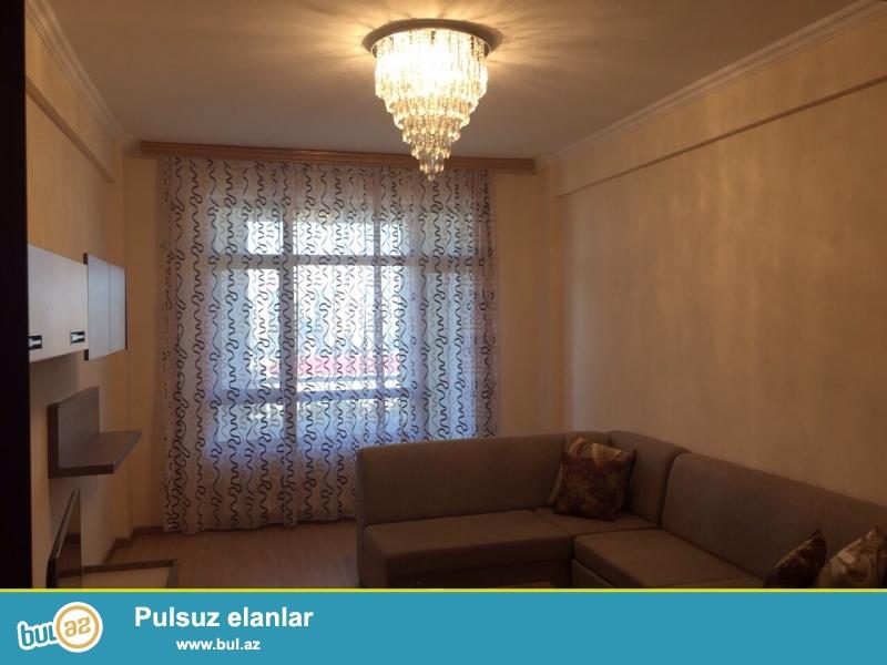 Сдается 3-х комнатная квартира в престижной новостройке,в центре города, по проспекту Тблиси, рядом с Сальянской казармой...
