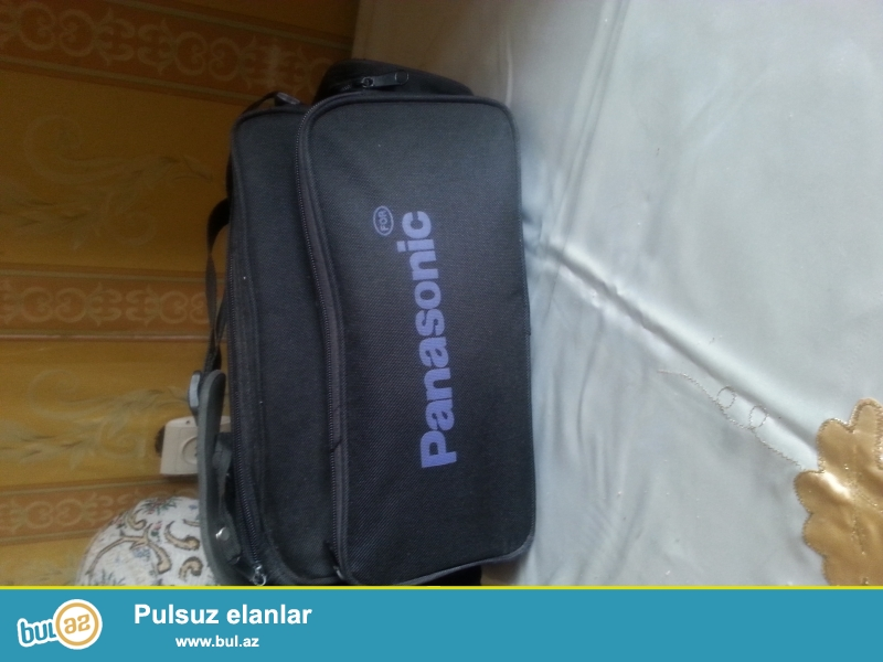 Panasonik videokamera satilir.yaxsi vaxiyyatdadr . Ev videokamerasi olub ...