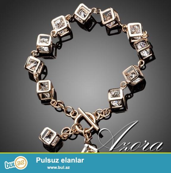 Qızıl suyuna batırılmış (18K Real Gold) 12 ədəd kristal kub toxunuşlu bilərzik...
