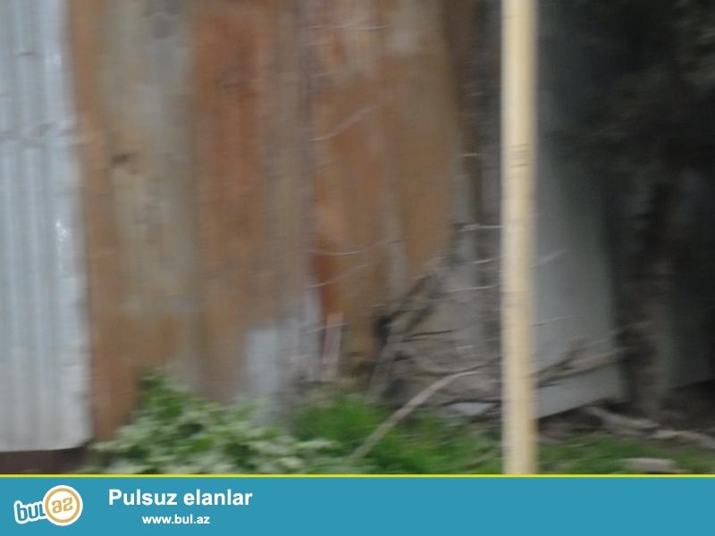 ) Lider tv.nin yaxınlığında,Səlyanski Kazarma tərəf,1 hektar ərazide-4 blok 24 mərtəbə,-18 mln manat