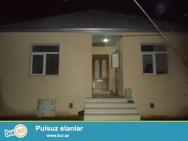 Azər Sabunçu rayonu Ramana  qəsəbəsi, Gülçülük yolunun üstündə 2 sot torpaq sahəsində ümumi sahəsi 95 kv...