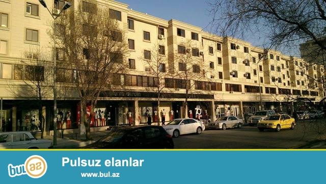 Очень Срочно !!!  По проспекту Ататюрк , за памятником Айна Султанова ,  продается 2-х комнатная квартира...