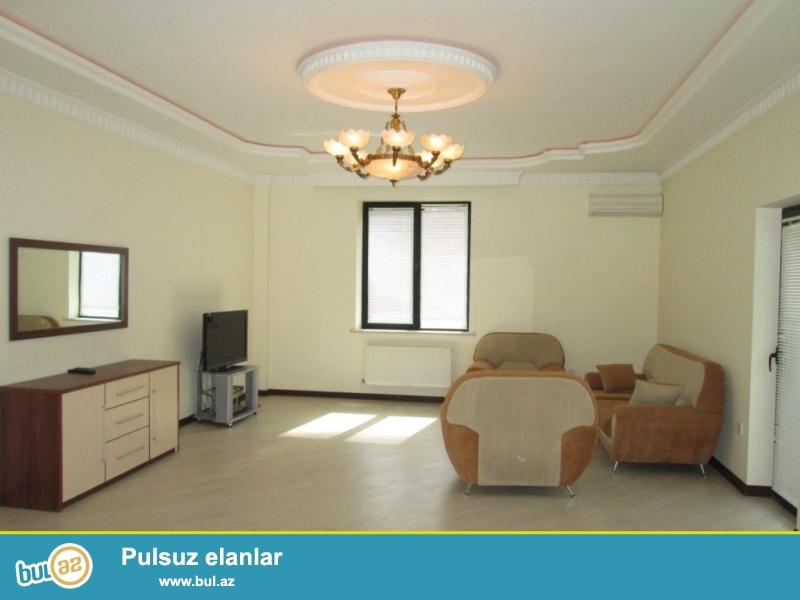 **РУФАТ*АЙНУР**   Сдается   3-х    комнатная  квартира   в    ABU   ARENA,   на    Гянджлике,   7  14, 168  кв...