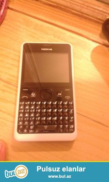 Nokia asha 210. 50 azn. Hər şeyi var. Whatsapp Facebook, hər bir proqram çalışır...