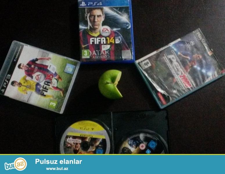 Playstation 3 və 4 Oyun diskleri satilir yada barter olunur<br /> <br /> FIFA 14 25azn PS4<br /> FIFA 15 30azn PS4<br /> PES 2009 10azn PS3<br /> Kombat universe 15azn pS3<br /> <br /> Butun oyunlari alan wexse endirim olacaq...