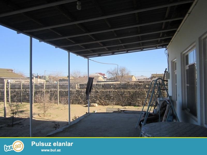 Очень срочно при въезде с Маштагинской трассы в посёлке Бильге сдаётся в аренду на летний сезон  3-х комнатный дачный дом площадью 120кв с хорошим ремонтом расположенный на  12 сотках ...