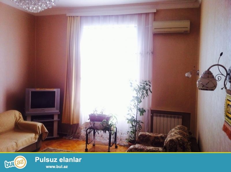 Сдается 2-х комнатная квартира в центре города, около Министерства Образования...