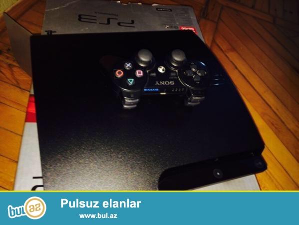 Tecili Playstation 3 sindirilmish (ps3 proshivkali) satiram. Ev weraitinde islenib. Ideal veziyyetde...