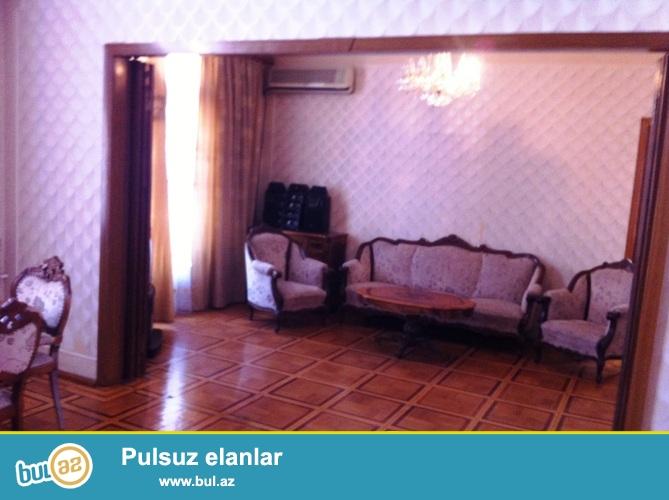 Cдается 3-х комнатная квартира в центре города, в районе метро 28 мая, рядом с немецкой кирхой...